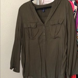 Olive green top, GAP sz L